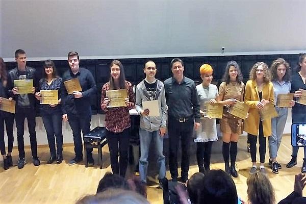 Nga ndarja e mbrëmshme të çmimeve për nxënësit më të mirë në QSHSHMB Ilija Nikollovski Lluj